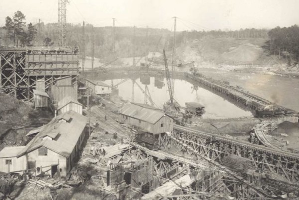 1925: Construction Plant and West Coffer Dam