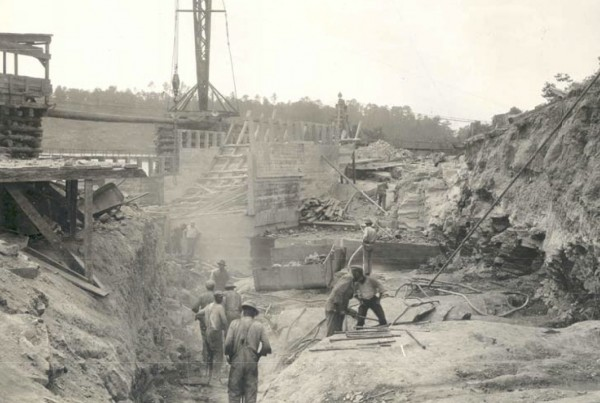 1925: Excavation for East Retaining Wall